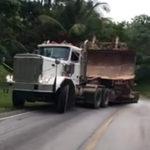 トラックが坂道を登れない