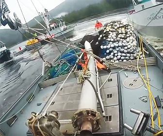 漁船が激突