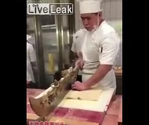 中国人料理人の巨大包丁が凄い